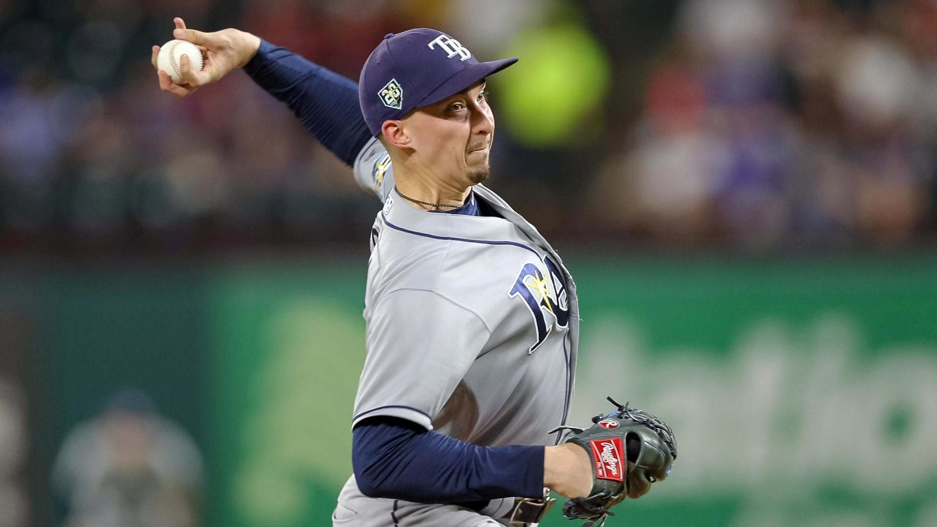 Snell records his 200th strikeout and 20th win