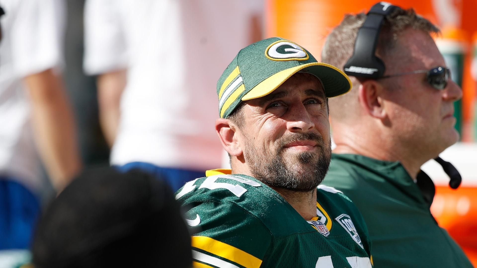 Spears concerned about Rodgers' knee