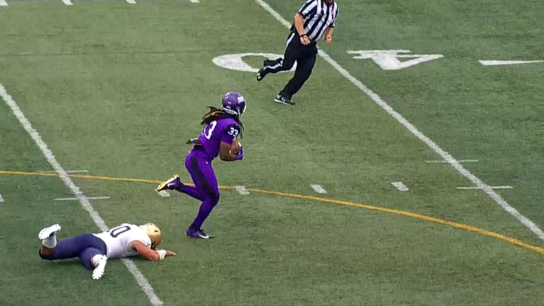 Mount Union steals ball from QB, runs in TD