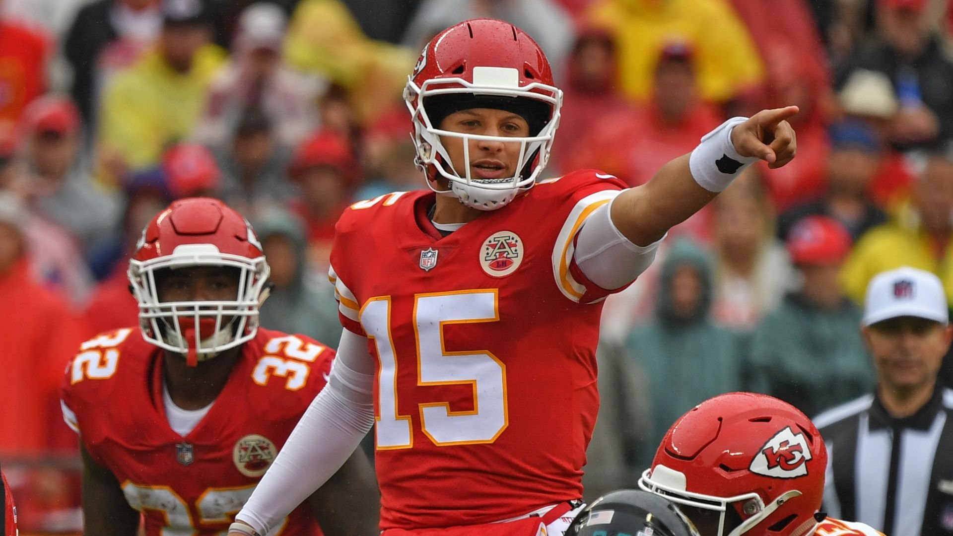 Mahomes expects surprises from Patriots