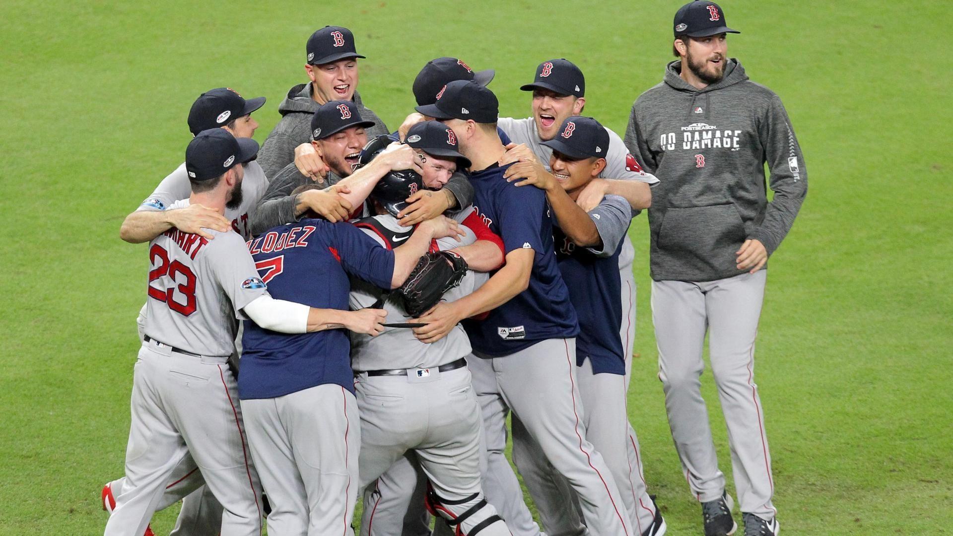 Benintendi's catch sends Red Sox to World Series