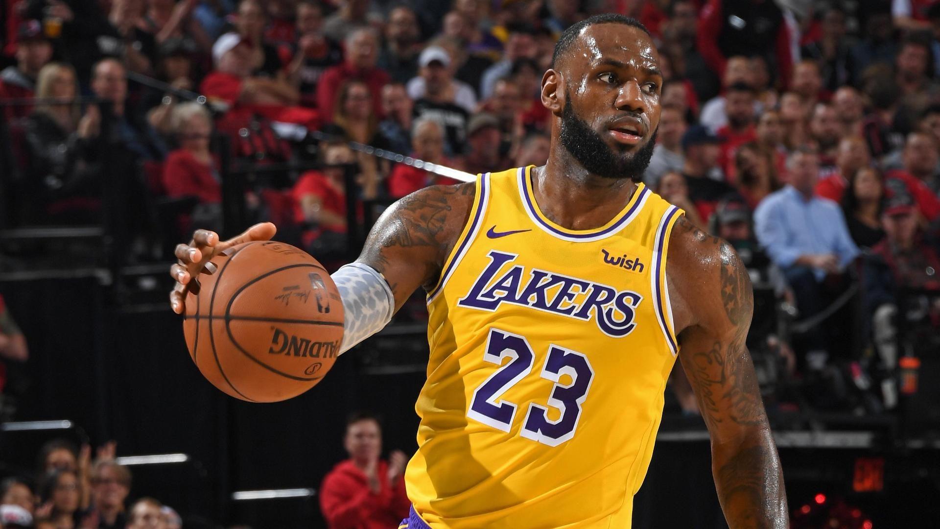 LeBron James stresses patience as Lakers build team chemistry  c96ac992c