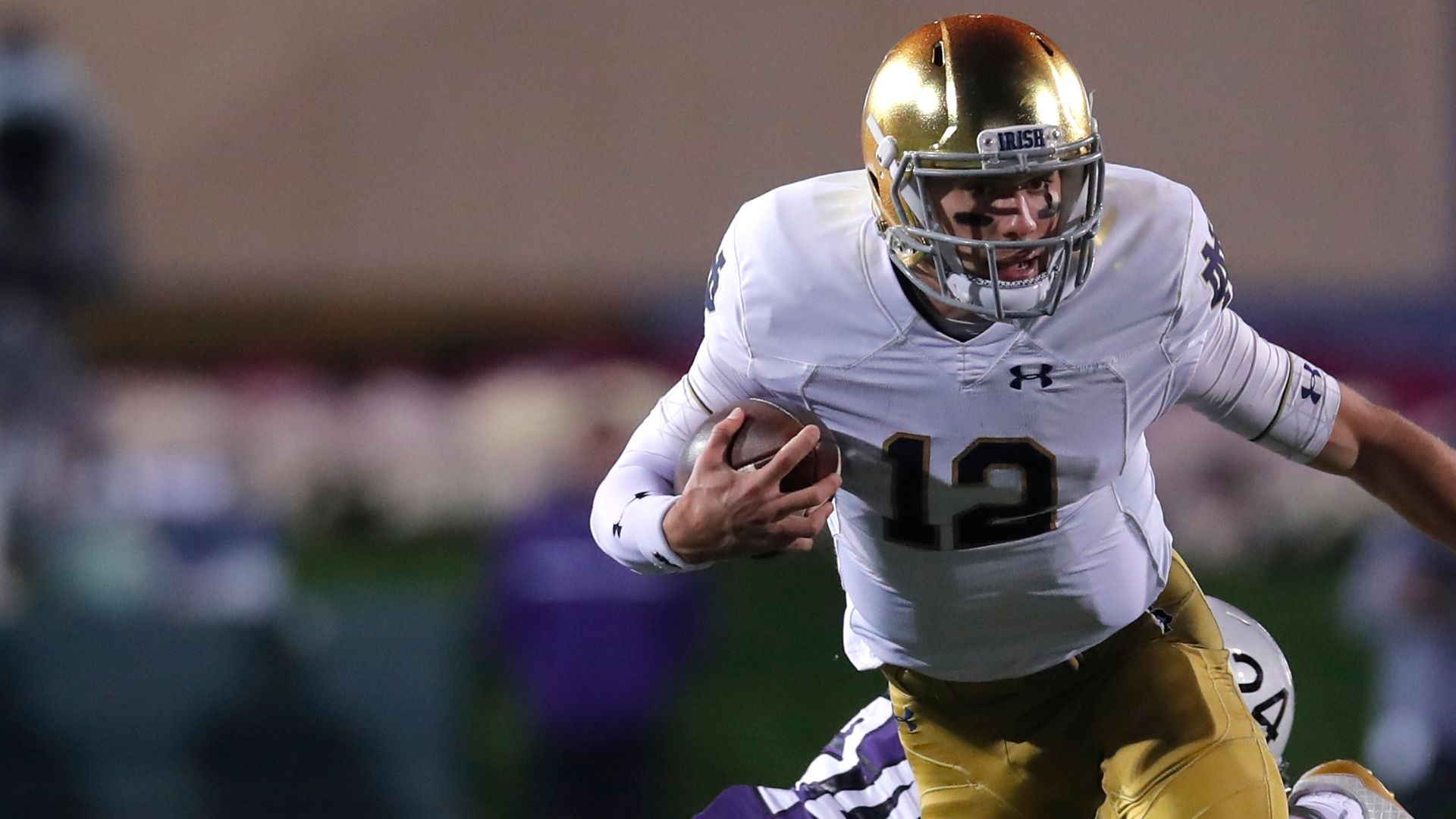 Notre Dame pulls away from Northwestern to remain unbeaten