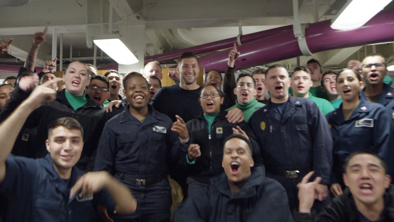 Tebow sets sail on USS Carl Vinson