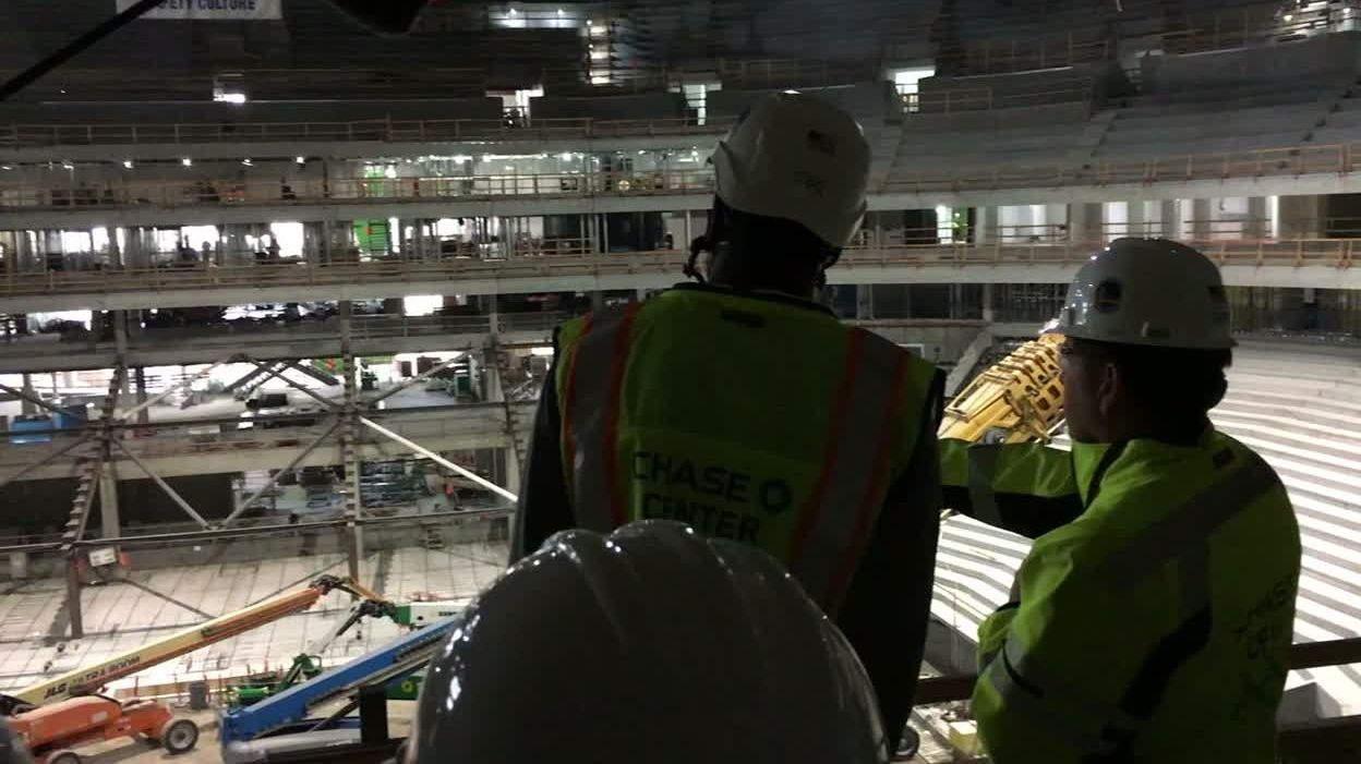 Durant takes a tour of Warriors' new arena.
