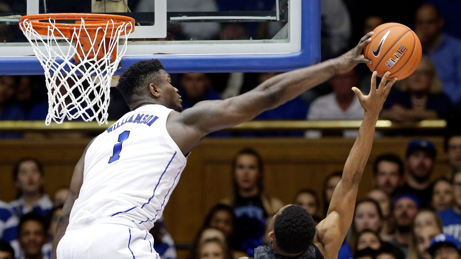 Williamson shows off athleticism in Duke win