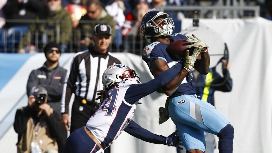 Davis comes up with great TD grab for Titans