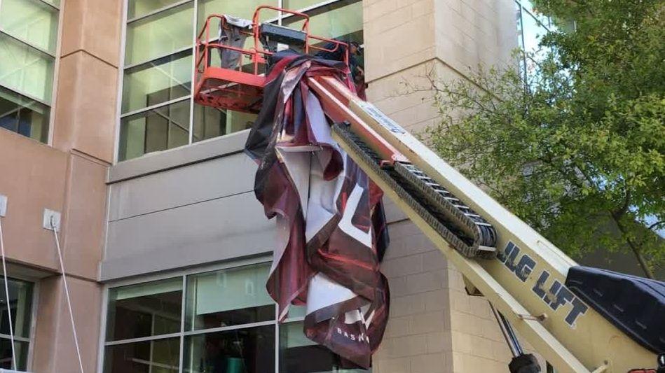 Rockets take down Melo banners