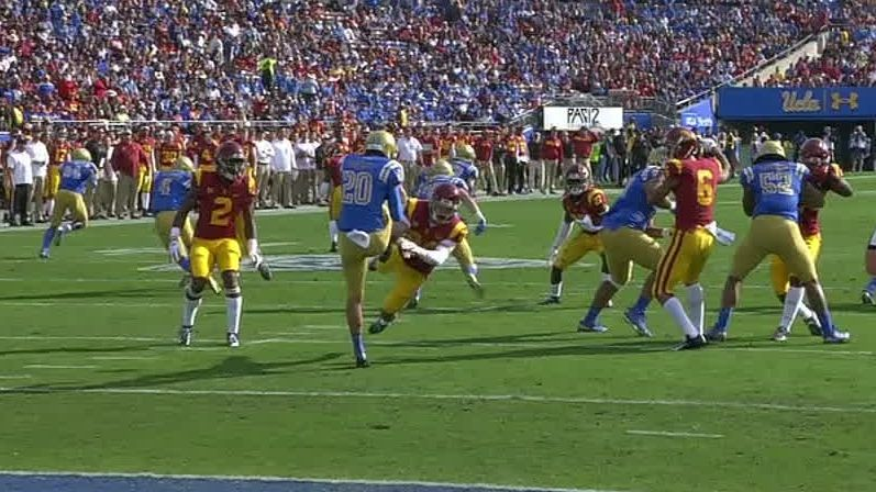 USC blocks punt, returns it for 6