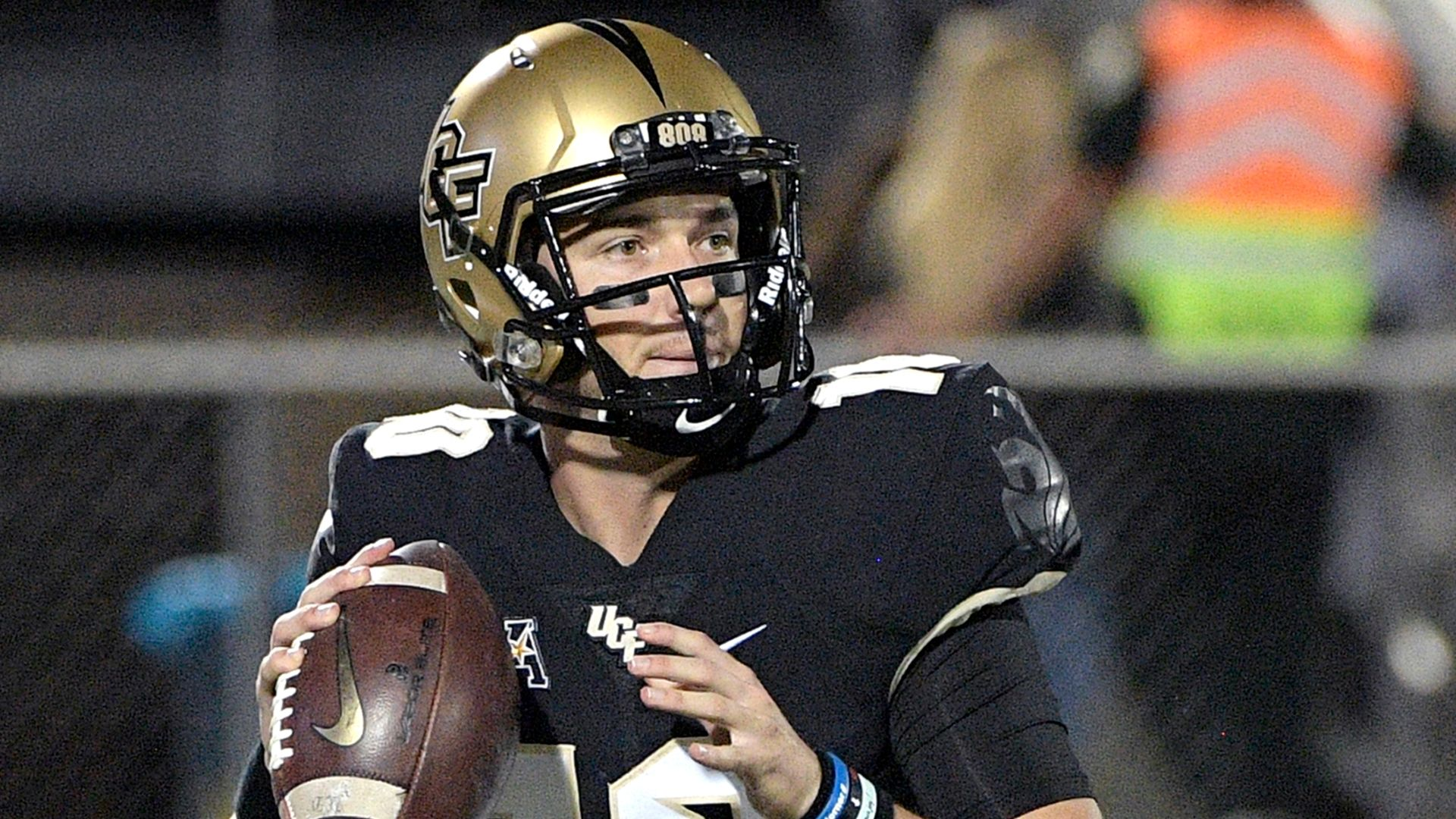 Milton leads UCF past Cincinnati, clinches AAC East