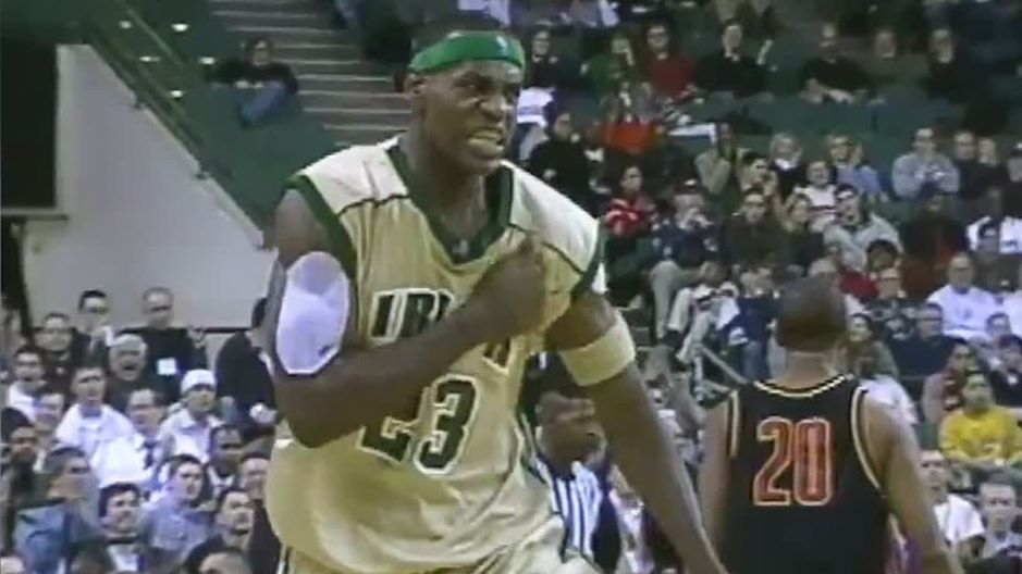 LeBron shines in 2002 national TV debut