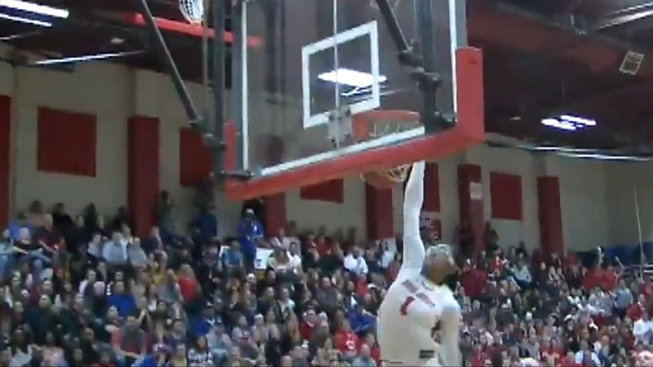 Stanford women's hoops commit Belibi throws down one-handed slam