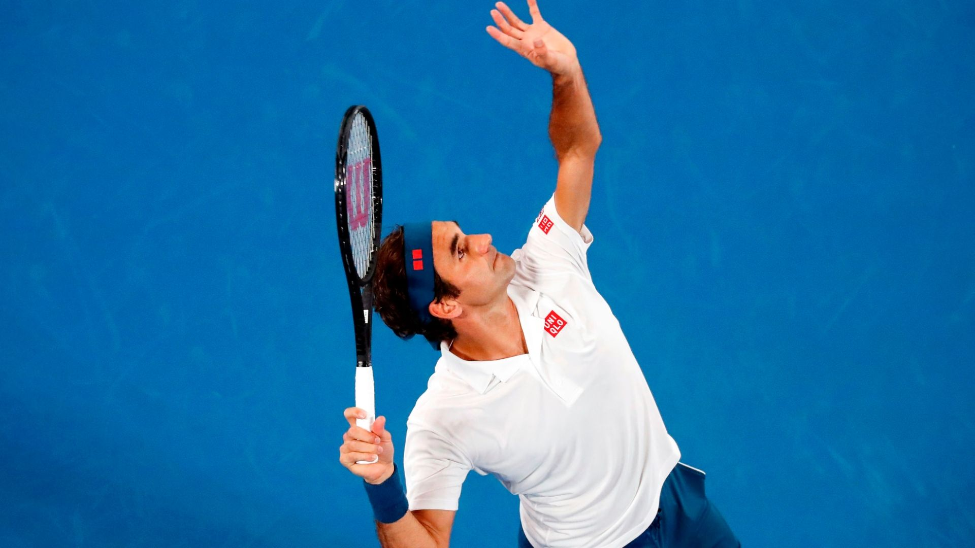 Federer captures 1st set with ace