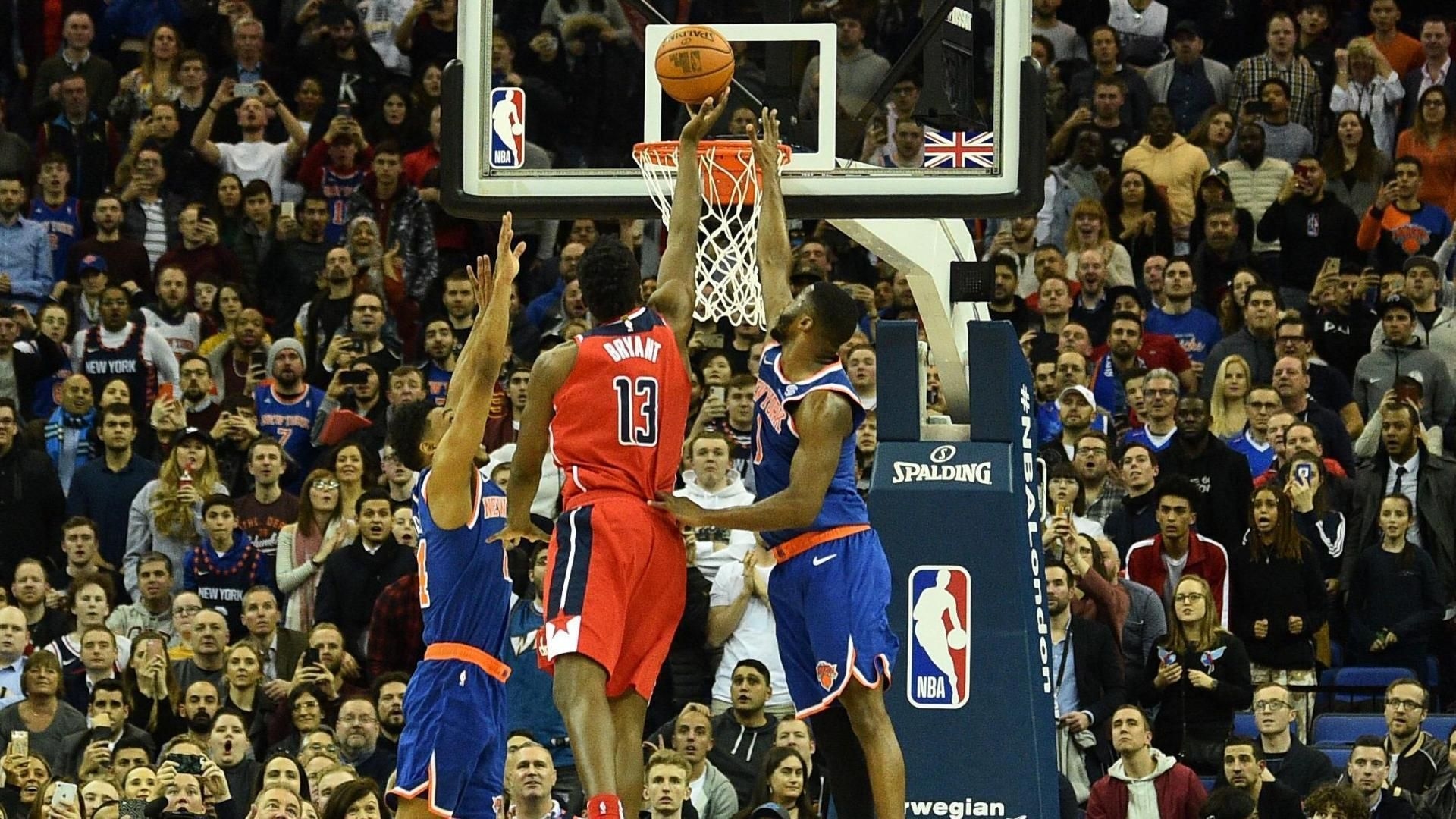Knicks fall to Wizards on goaltending call