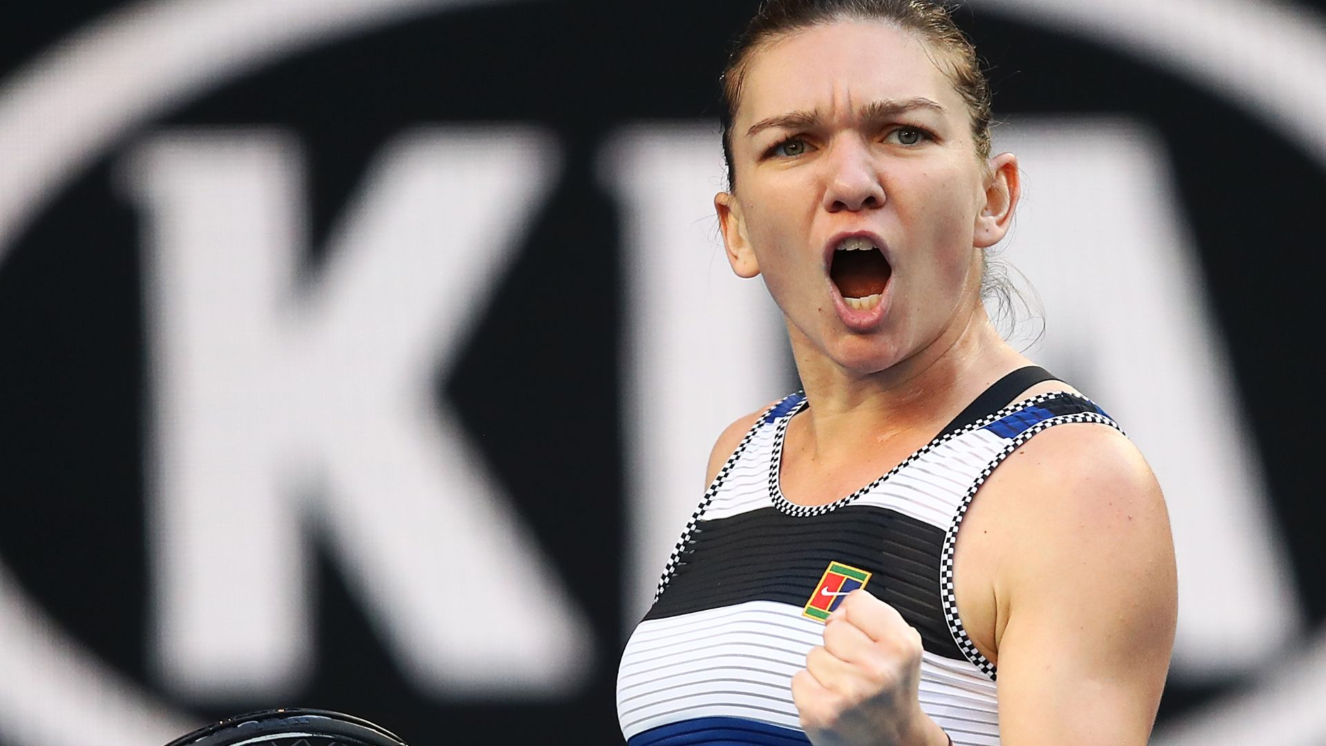 Halep defeats Venus to advance at Australian Open