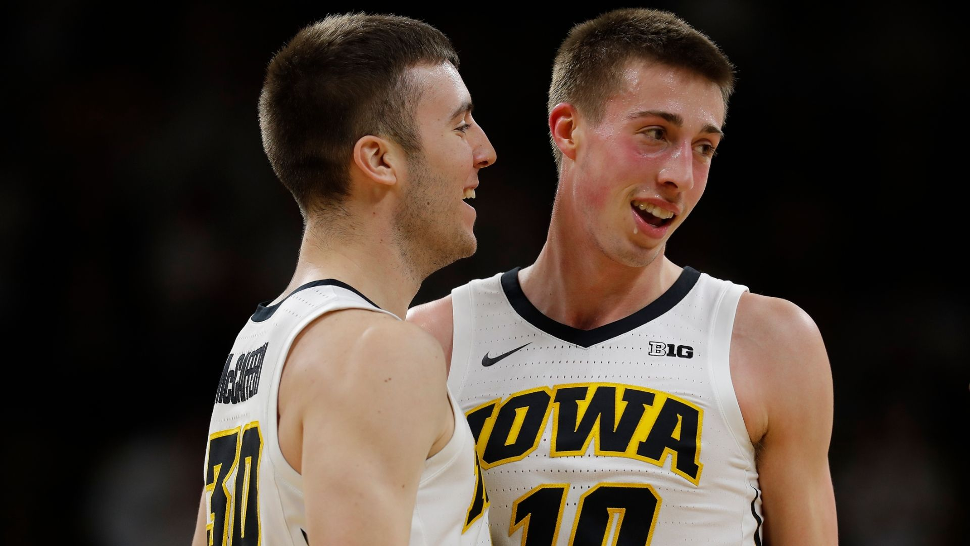 Iowa gets hot from beyond the arc in 2nd half