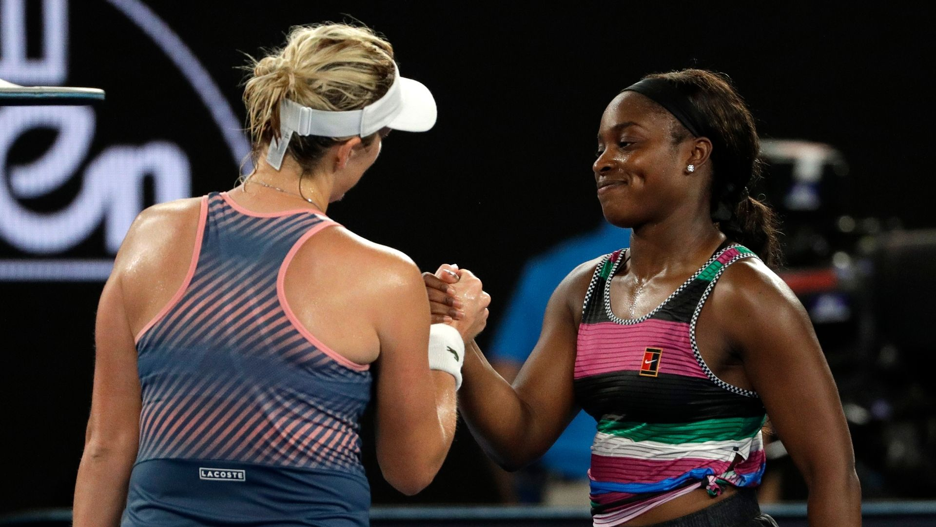 Stephens upset in 4th round of Australian Open