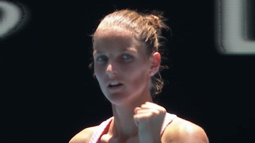 Serena loses 1st set