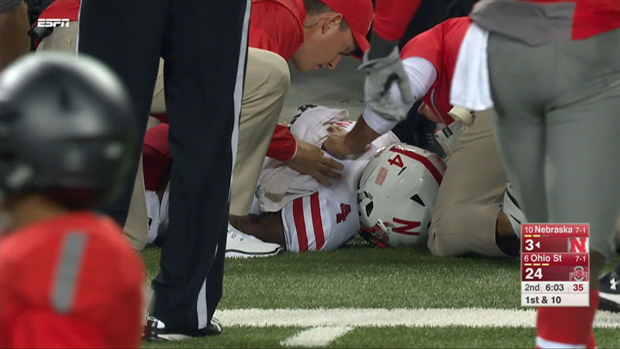 Scary scene as Tommy Armstrong Jr. goes down injured