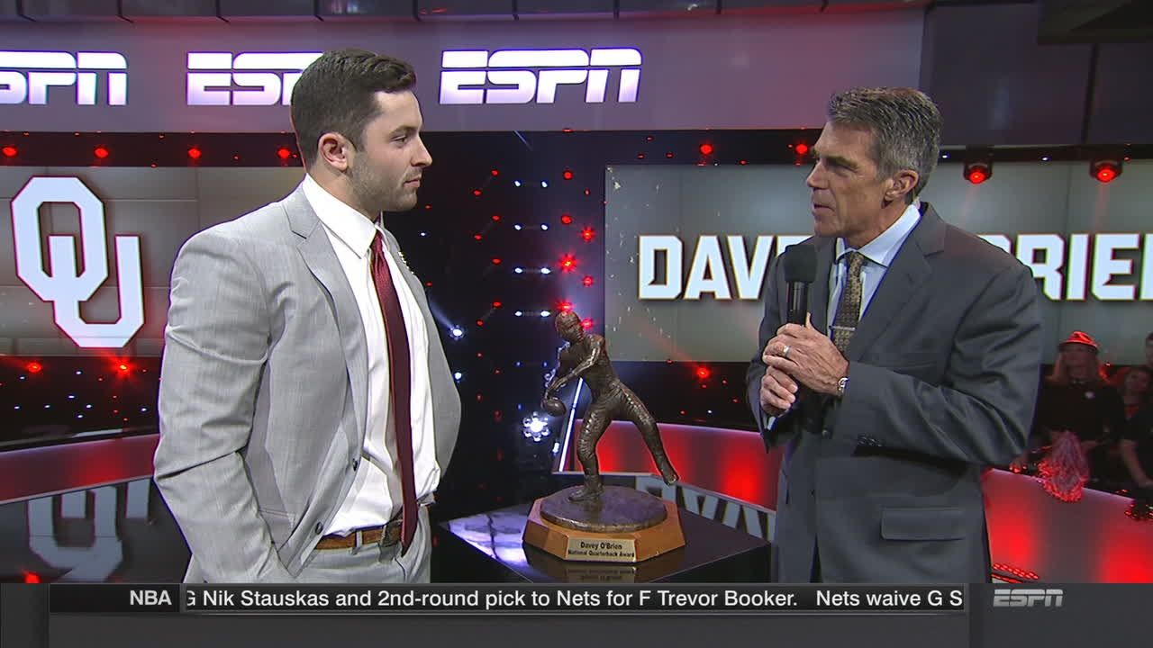 Mayfield receives the Davey O'Brien Award