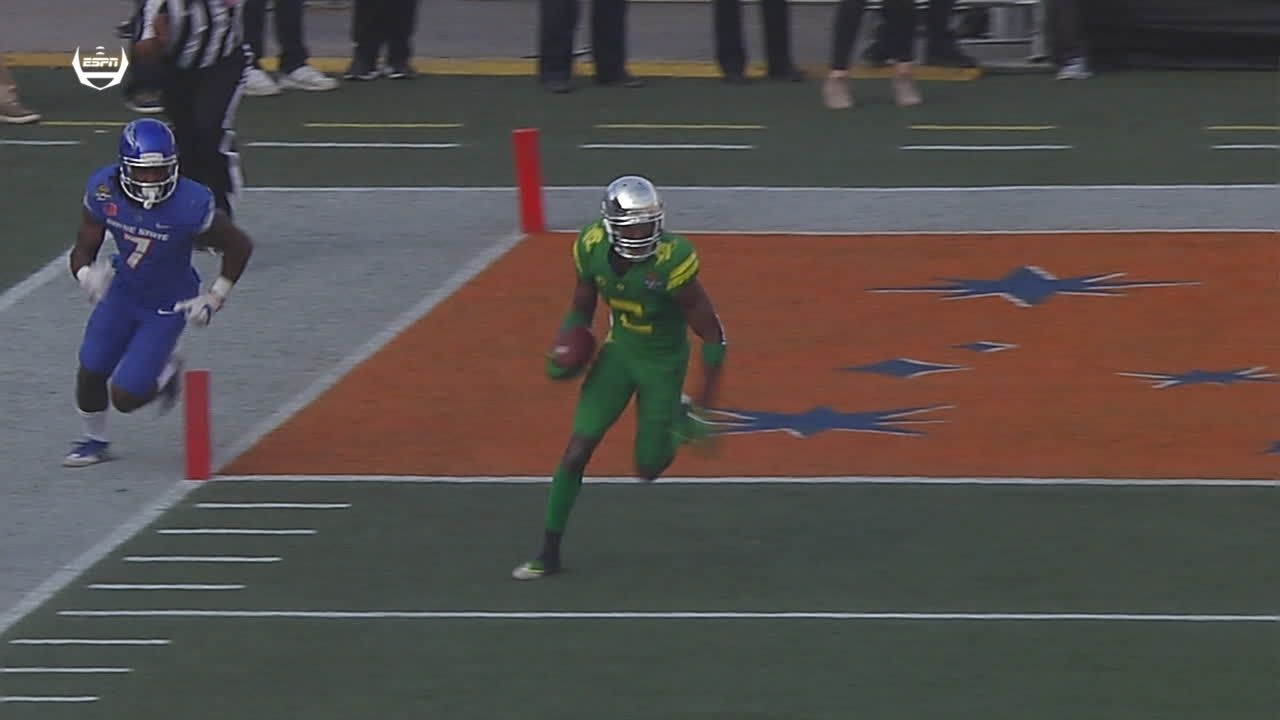 100-yard pick-6 gets Ducks within 10