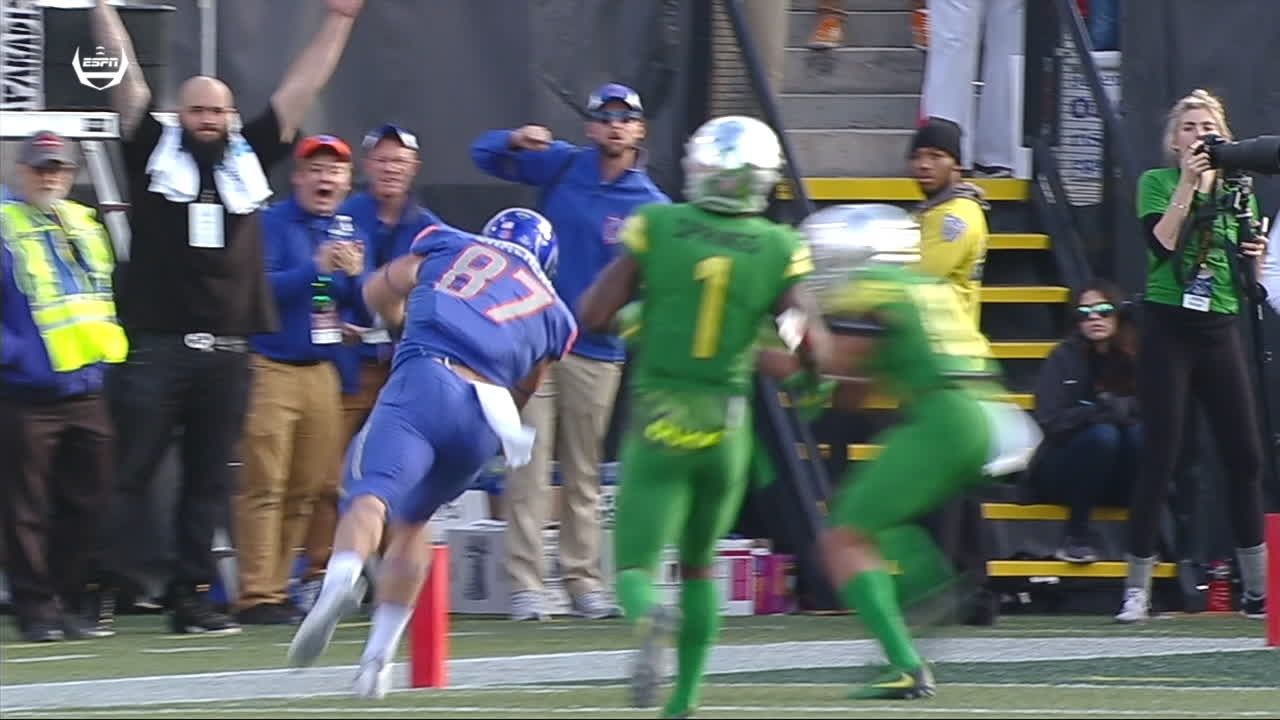 Boise State opens up 2nd half with passing TD