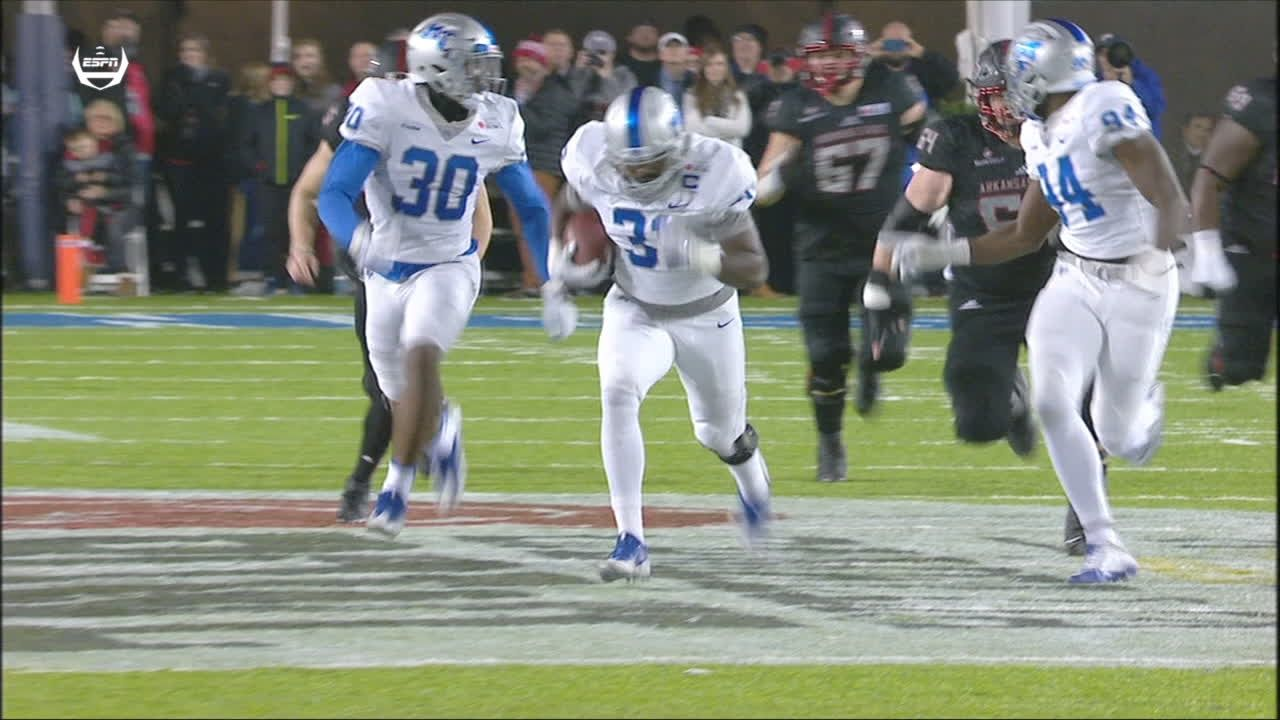 Middle Tennessee blows game open with strip-sack and score