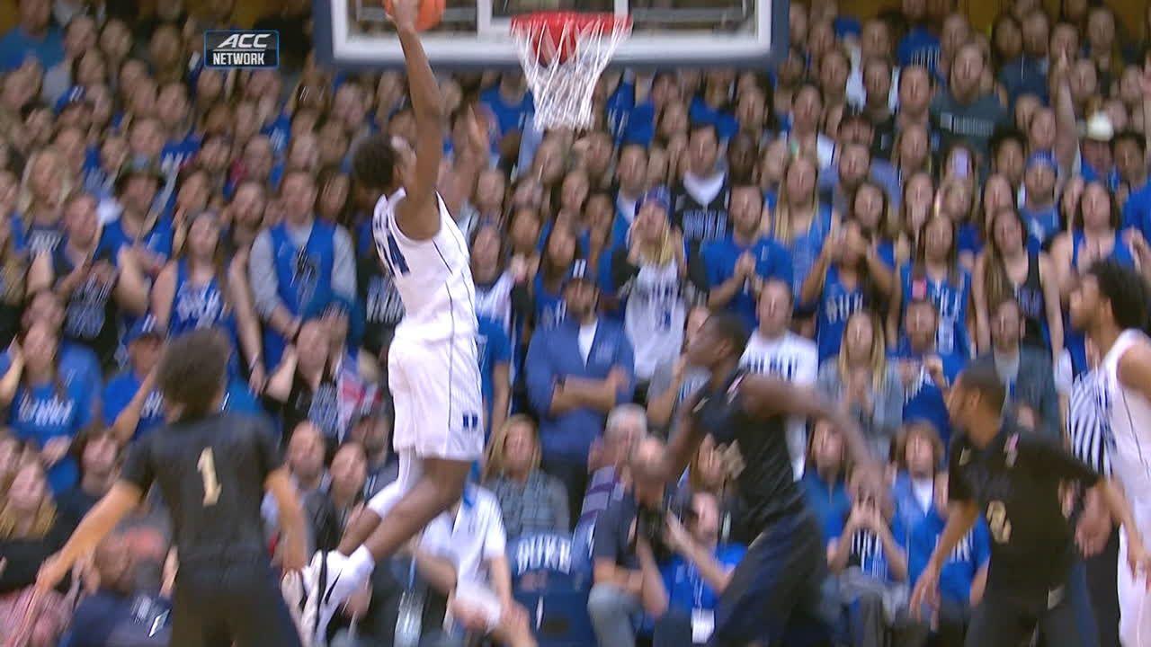 Duke's Carter Jr. gets to the rack
