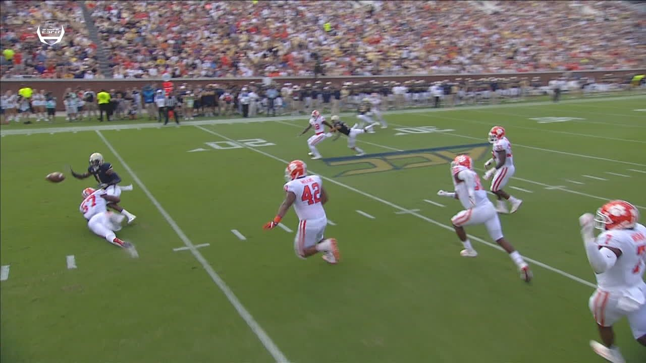 Clemson forces fumble and recovers for TD