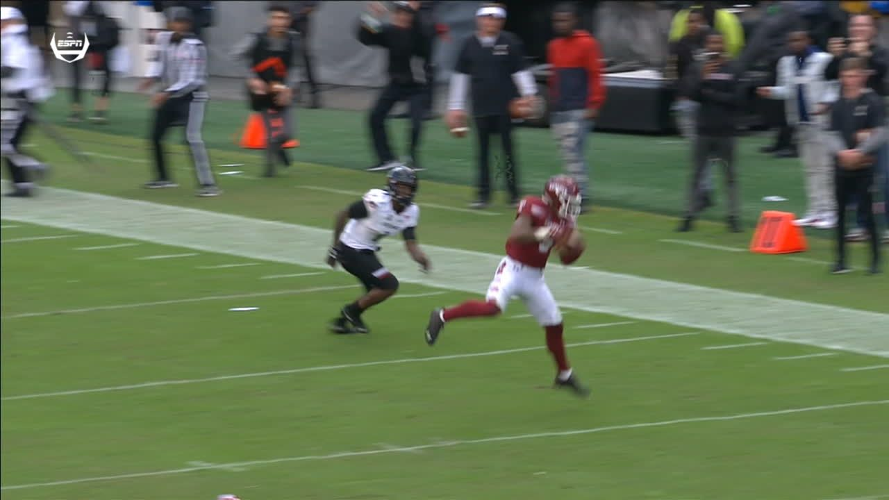 Bradley makes game-winning interception for Temple