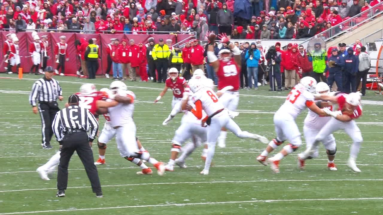 Wisconsin's massive DT collects INT