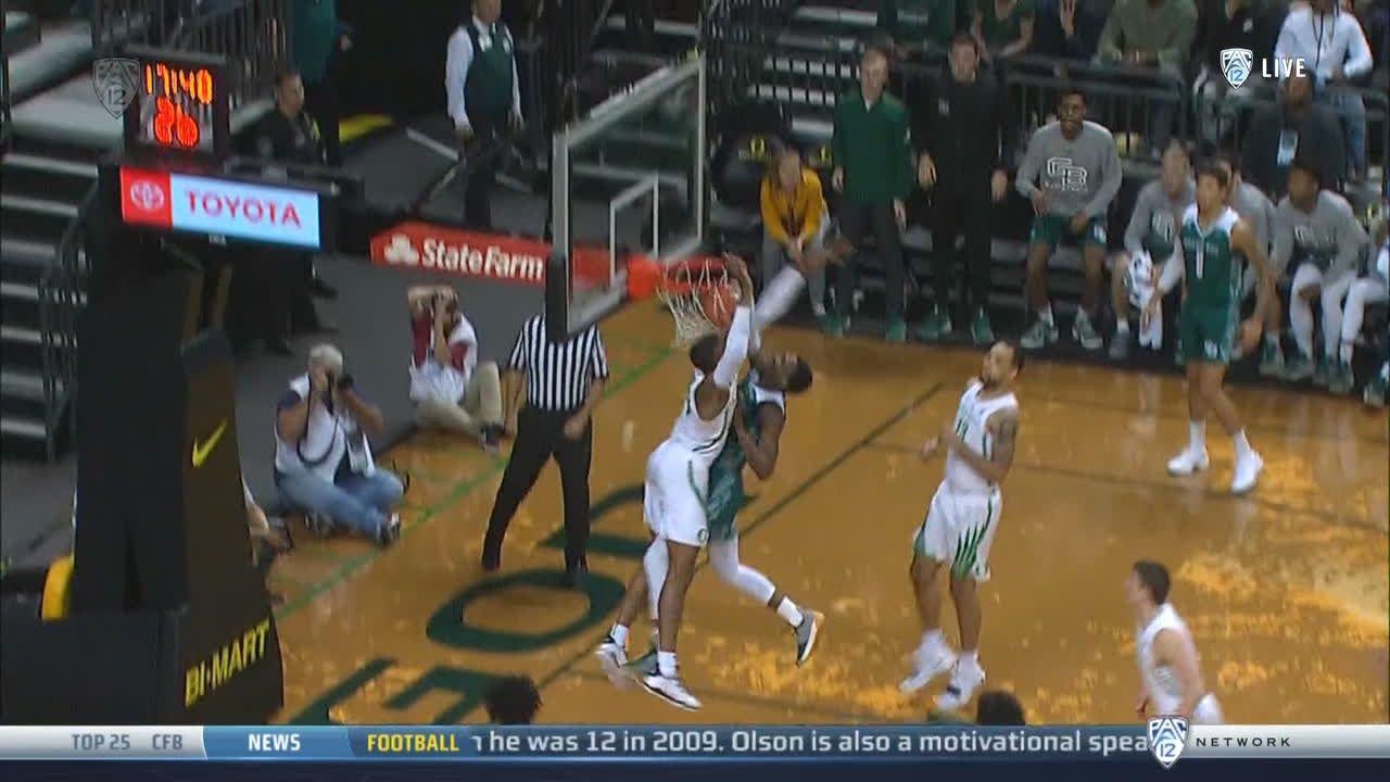 Green Bay's Hemphill posterizes Oregon defender