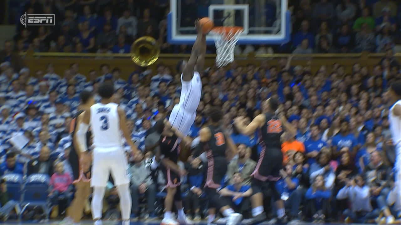 Zion lays it in off lob from Jones
