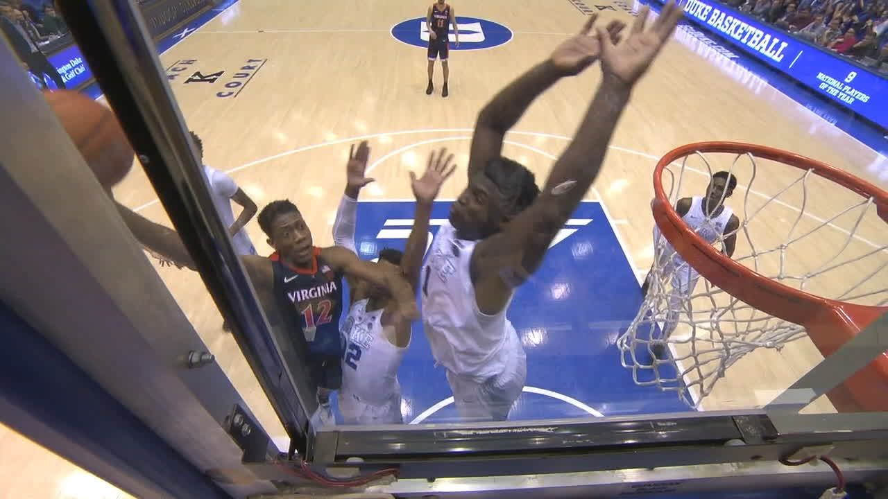 Zion soars for huge block, scores at other end