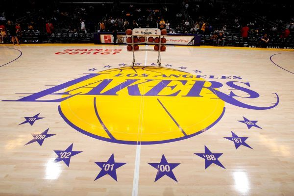 https://secure.espncdn.com/combiner/i?img=/photo/2015/0911/nba_g_lakers01jr__r7948_600x400_3-2.jpg