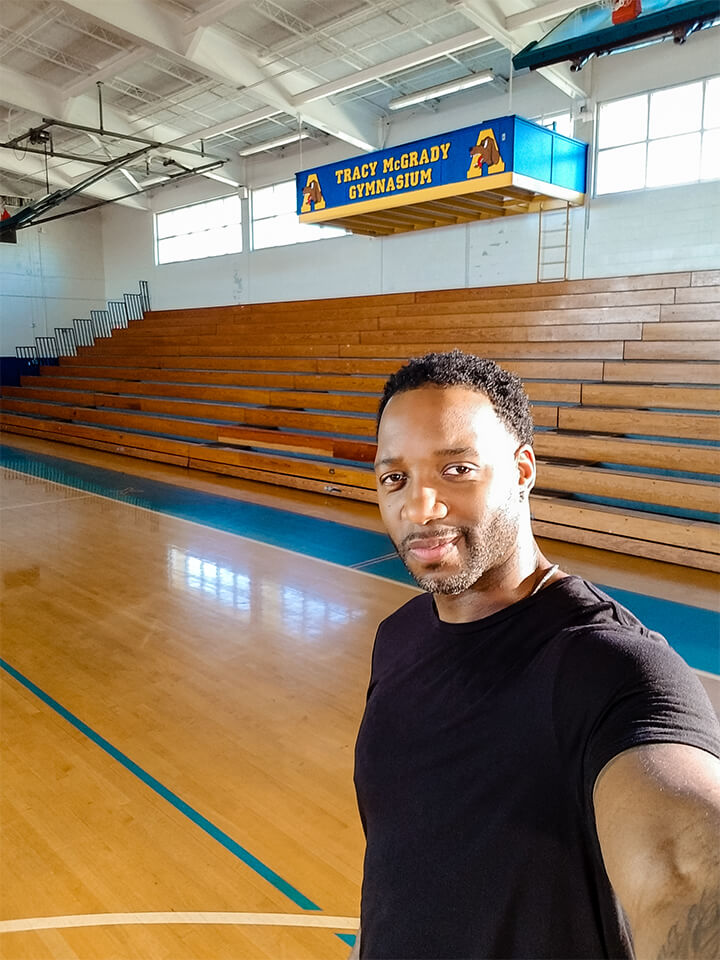 Auburndale, FL: Tracy McGrady heads home to his old high school gym. - Captured on a Samsung Galaxy S8